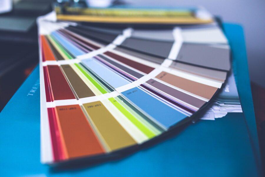 Jak przygotować ściany do malowania? Krótki poradnik dla początkujących